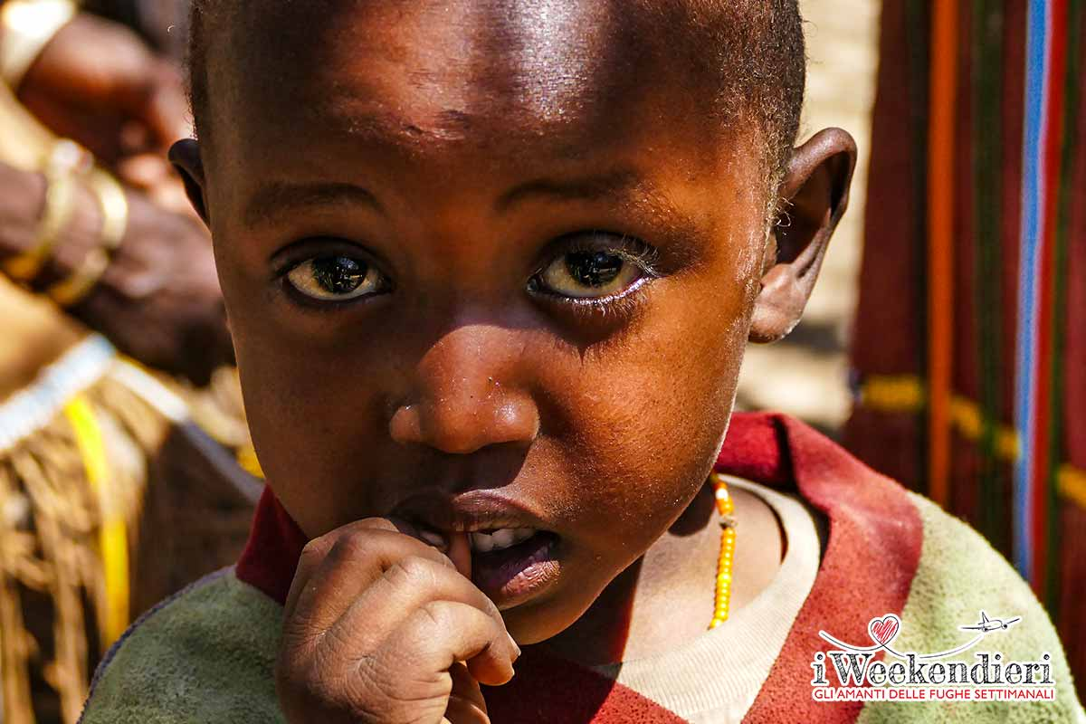 bambino tribù dei datoga